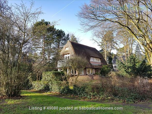 Cottage with two bedrooms near Amsterdam Home Rental in Aerdenhout, NH, Netherlands 1
