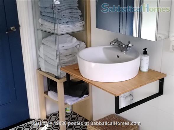 Cottage with two bedrooms near Amsterdam Home Rental in Aerdenhout, NH, Netherlands 3