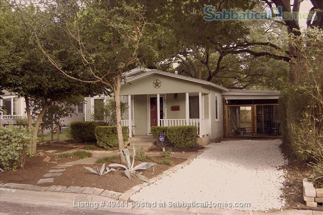 Quaint, Tidy, Fully Furnished Home in Hyde Park - 10 Minute Metro Ride to University of Texas Home Rental in Austin, Texas, United States 1