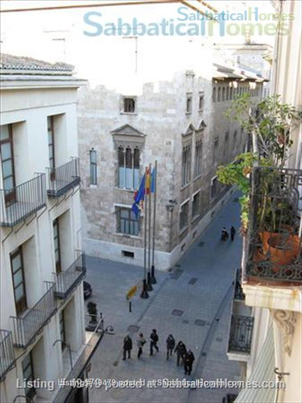 spacious flat in the historical center of Valencia (Spain) Home Rental in València, Comunidad Valenciana, Spain 7