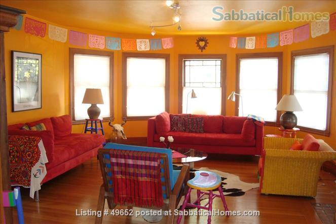 Fully Furnished 2-bedroom Craftsman house in the Rockridge District, Home Rental in Oakland, California, United States 1