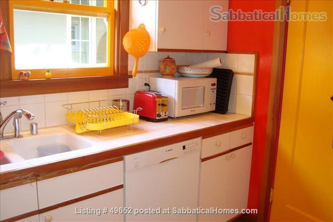 Fully Furnished 2-bedroom Craftsman house in the Rockridge District, Home Rental in Oakland, California, United States 4
