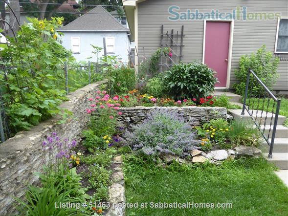 Beautiful Home in Safe Summit Hill, Saint Paul: Furnished 2-BR Sabbatical House Available, with huge library/study Home Rental in St Paul, Minnesota, United States 9