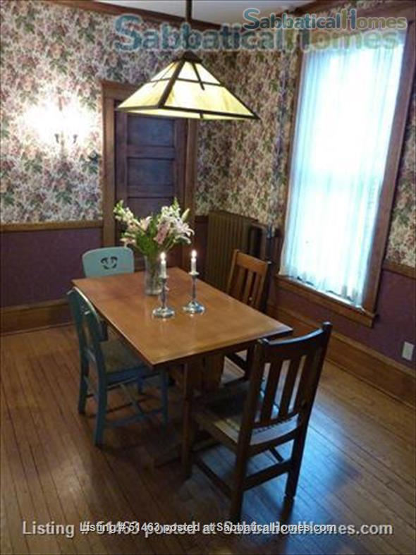 Beautiful Home in Safe Summit Hill, Saint Paul: Furnished 2-BR Sabbatical House Available, with huge library/study Home Rental in St Paul, Minnesota, United States 2