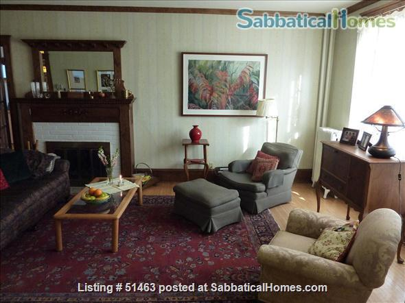 Beautiful Home in Safe Summit Hill, Saint Paul: Furnished 2-BR Sabbatical House Available, with huge library/study Home Rental in St Paul, Minnesota, United States 4