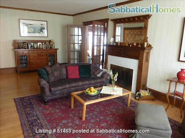 Beautiful Home in Safe Summit Hill, Saint Paul: Furnished 2-BR Sabbatical House Available, with huge library/study Home Rental in St Paul, Minnesota, United States 5