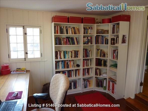 Beautiful Home in Safe Summit Hill, Saint Paul: Furnished 2-BR Sabbatical House Available, with huge library/study Home Rental in St Paul, Minnesota, United States 8