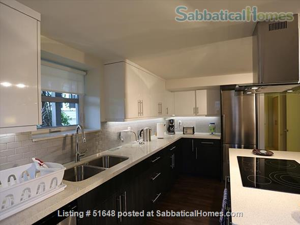 Spacious 2-bedroom street level apartment with large outdoor patio 15 min from downtown Vancouver. All utilities included in price. Home Exchange in Vancouver, British Columbia, Canada 2