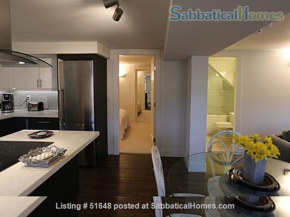 Spacious 2-bedroom street level apartment with large outdoor patio 15 min from downtown Vancouver. All utilities included in price. Home Exchange in Vancouver, British Columbia, Canada 3