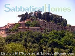 Rare: a cottage for two on the edge of spectacular medieval Tuscan village Home Rental in Cetona, Toscana, Italy 9