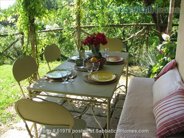 Rare: a cottage for two on the edge of spectacular medieval Tuscan village Home Rental in Cetona, Toscana, Italy 3