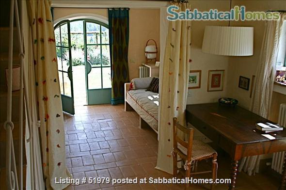 Rare: a cottage for two on the edge of spectacular medieval Tuscan village Home Rental in Cetona, Toscana, Italy 6