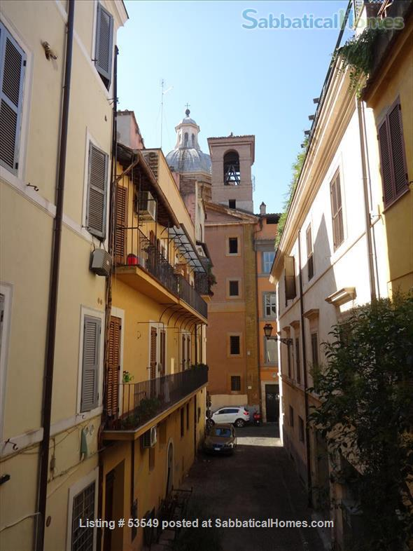 Cozy flat few blocks by the Colisseum (2-3pax) Home Rental in Rome, Lazio, Italy 9