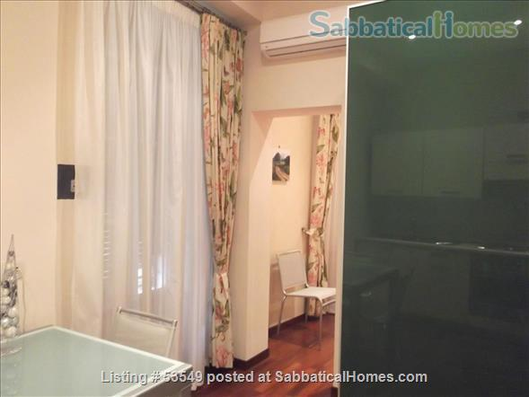 Cozy flat few blocks by the Colisseum (2-3pax) Home Rental in Rome, Lazio, Italy 2