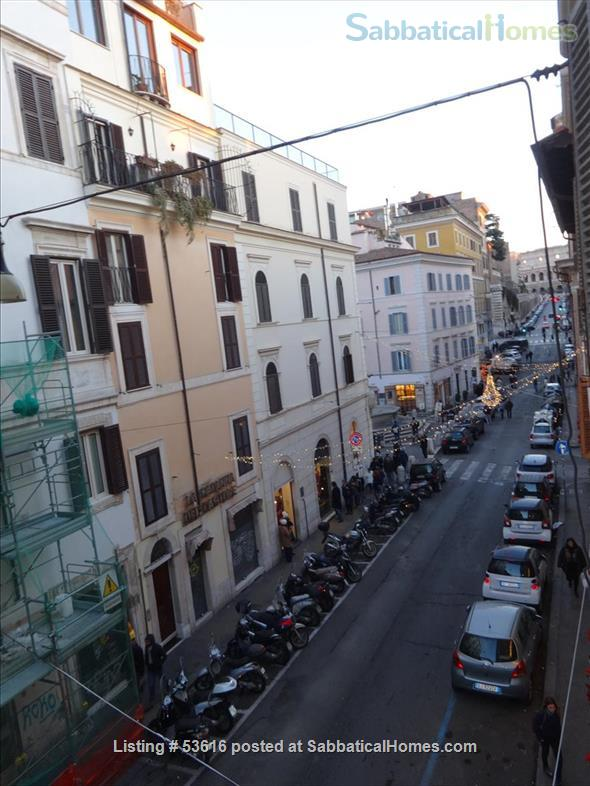 Colisseum  view, cozy apartment in Monti  neighborhood  (2-4 guests) Home Rental in Roma, Lazio, Italy 5