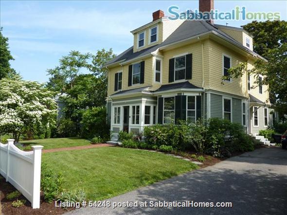 Elegant  3BR Victorian, great schools, AC, convenient to Harvard, MIT, BU, BC Home Rental in Newton, Massachusetts, United States 1