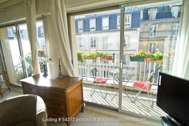 Cute & cozy downtown Paris apartment with Cri's touch .  (Luxembourg Garden - Montparnasse) Home Rental in Paris 2