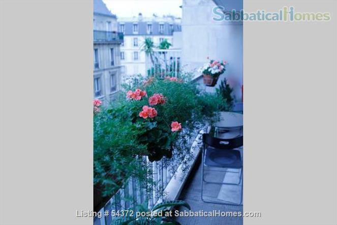 Cute & cozy downtown Paris apartment with Cri's touch .  (Luxembourg Garden - Montparnasse) Home Rental in Paris 3