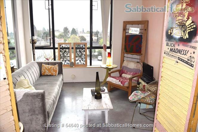 TOP FLOOR 1 BR + LOFT CONDO D'TOWN BERKELEY, WALK TO CAMPUS, $2999 mth, ALL UTILITIES INCLUDED Home Rental in Berkeley, California, United States 3