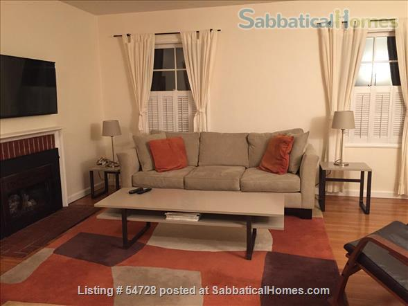 Sunny and Cozy 2-bedroom in Central Berkeley Home Rental in Berkeley, California, United States 9