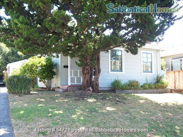 Sunny and Cozy 2-bedroom in Central Berkeley Home Rental in Berkeley, California, United States 1
