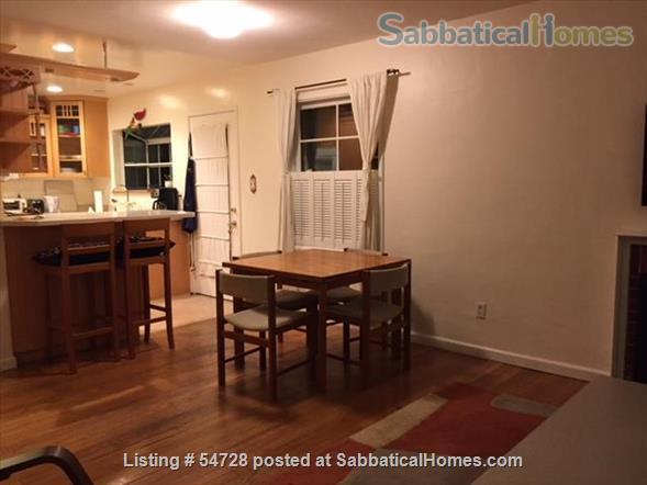 Sunny and Cozy 2-bedroom in Central Berkeley Home Rental in Berkeley, California, United States 7