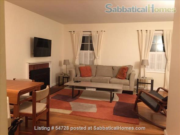 Sunny and Cozy 2-bedroom in Central Berkeley Home Rental in Berkeley, California, United States 8