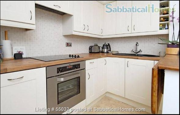 2 bed flat, 1 minute walk to River, 5 minutes to tube station Home Rental in London, England, United Kingdom 0