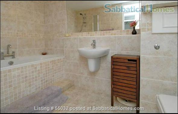2 bed flat, 1 minute walk to River, 5 minutes to tube station Home Rental in London, England, United Kingdom 2