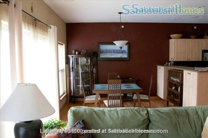 Spacious Townhouse Condo on Madison's Vibrant East Side! Home Rental in Madison, Wisconsin, United States 0