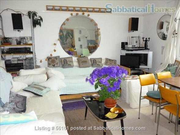 2 bed lovely, airy apartment- central  location-facing lovely park Home Rental in Brighton and Hove, England, United Kingdom 0