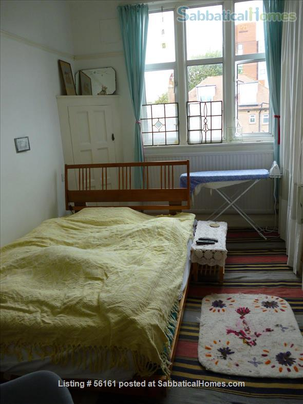 2 bed lovely, airy apartment- central  location-facing lovely park Home Rental in Brighton and Hove, England, United Kingdom 2