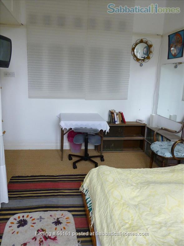 2 bed lovely, airy apartment- central  location-facing lovely park Home Rental in Brighton and Hove, England, United Kingdom 3