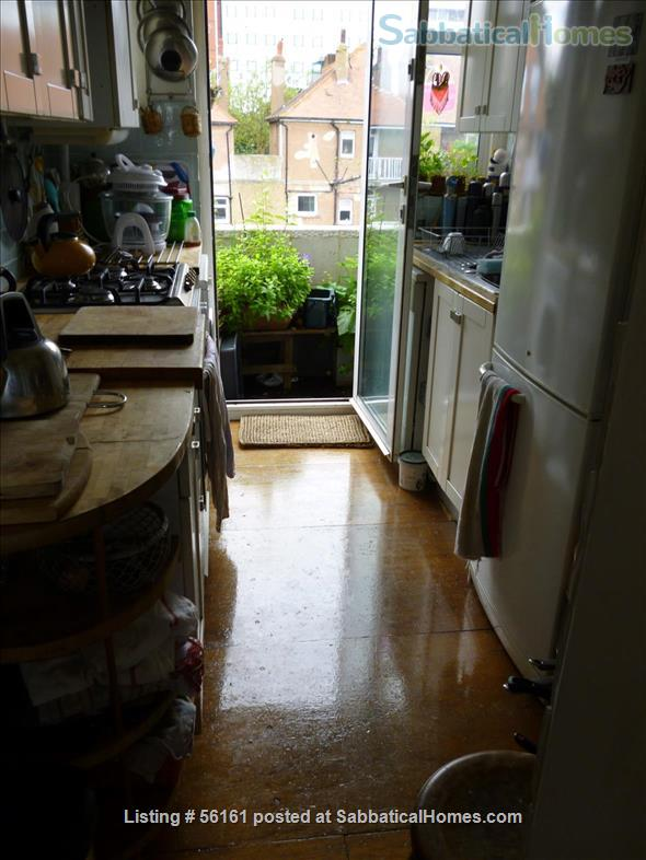 2 bed lovely, airy apartment- central  location-facing lovely park Home Rental in Brighton and Hove, England, United Kingdom 6