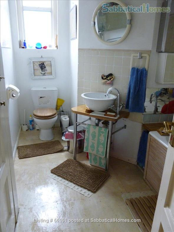 2 bed lovely, airy apartment- central  location-facing lovely park Home Rental in Brighton and Hove, England, United Kingdom 8