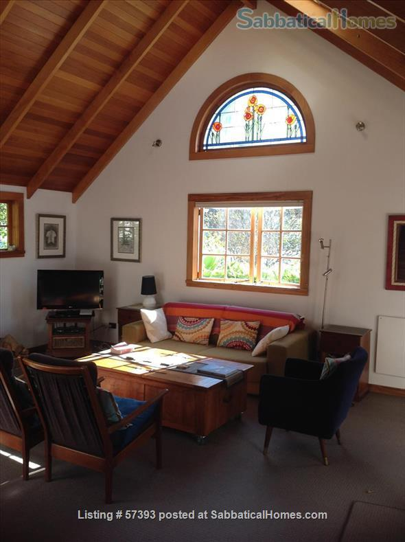 Cosy cottage, quiet, comfortable, central to city and university Home Rental in Wellington, Wellington, New Zealand 1