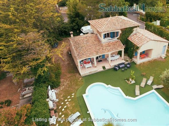Spacious 4 bedroom house with garden and swimming pool close to Montpellier in St Vincent de Barbeyrargues Home Rental in Saint-Vincent-de-Barbeyrargues, Occitanie, France 1