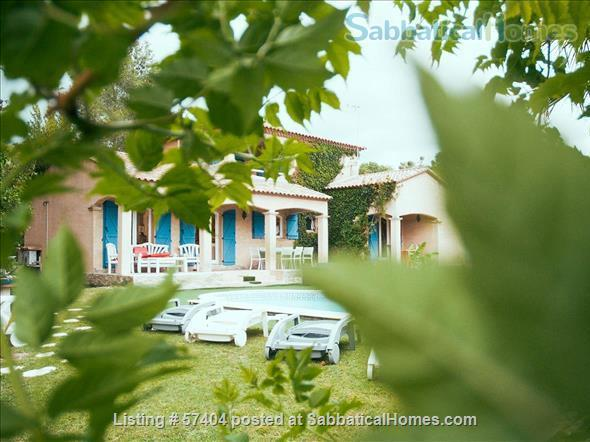 Spacious 4 bedroom house with garden and swimming pool close to Montpellier in St Vincent de Barbeyrargues Home Rental in Saint-Vincent-de-Barbeyrargues, Occitanie, France 4