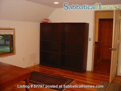 Large Queen Ann Victorian blocks from Kerrytown and Central Campus Home Rental in Ann Arbor, Michigan, United States 9
