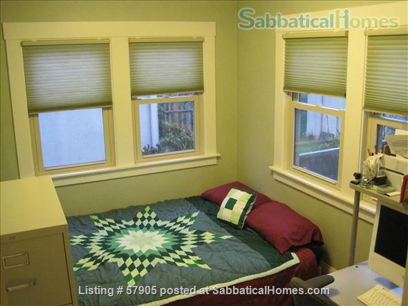Cozy 3 Bedroom Bungalow with Vegetable Garden and Chickens Home Rental in Albany, California, United States 4