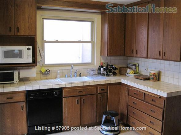 Cozy 3 Bedroom Bungalow with Vegetable Garden and Chickens Home Rental in Albany, California, United States 5