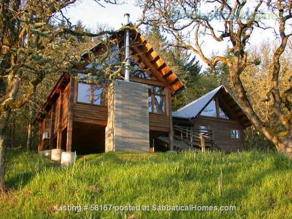 Architecturally designed post and beam house with wonderful views of the Willamette River. Home Rental in Springfield, Oregon, United States 1