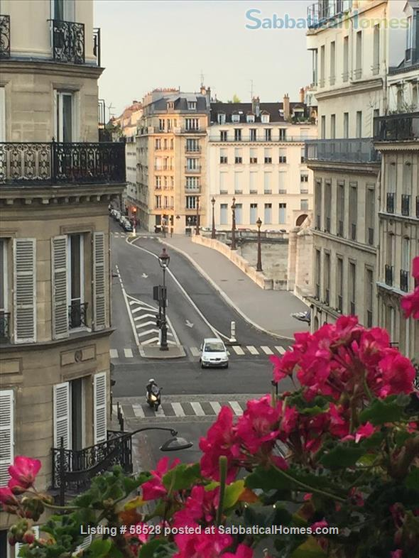 Beautiful 3 BR in wonderful Latin Quarter neighborhood Home Rental in Paris, Île-de-France, France 9