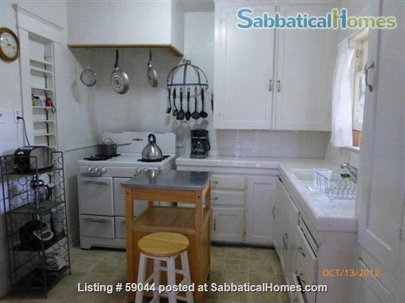 Charming 2 brm. furnished bungalow in Santa Monica Home Rental in Santa Monica, California, United States 2