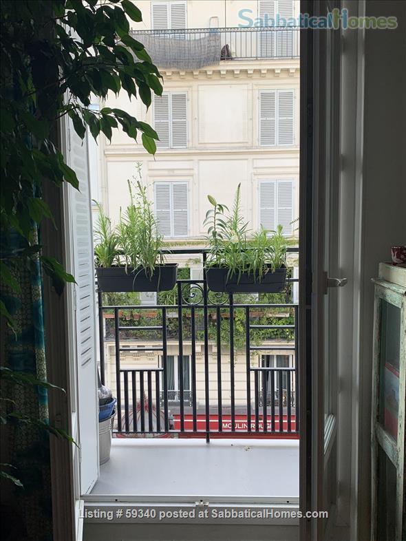Montmartre! Charming 2 bedroom apartment! Home Rental in Paris, IDF, France 8