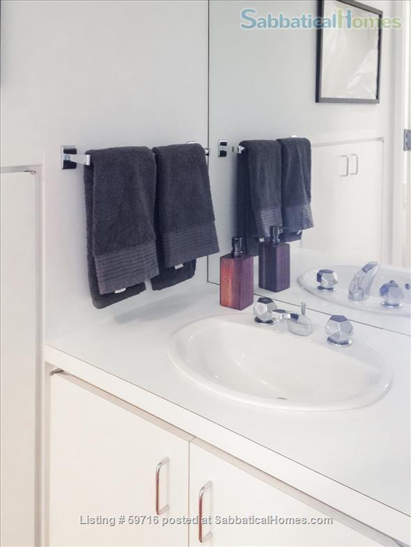 Beautiful, private, fully furnished 1-BR, plus study, for 1 person Home Rental in Woodbridge, Connecticut, United States 7