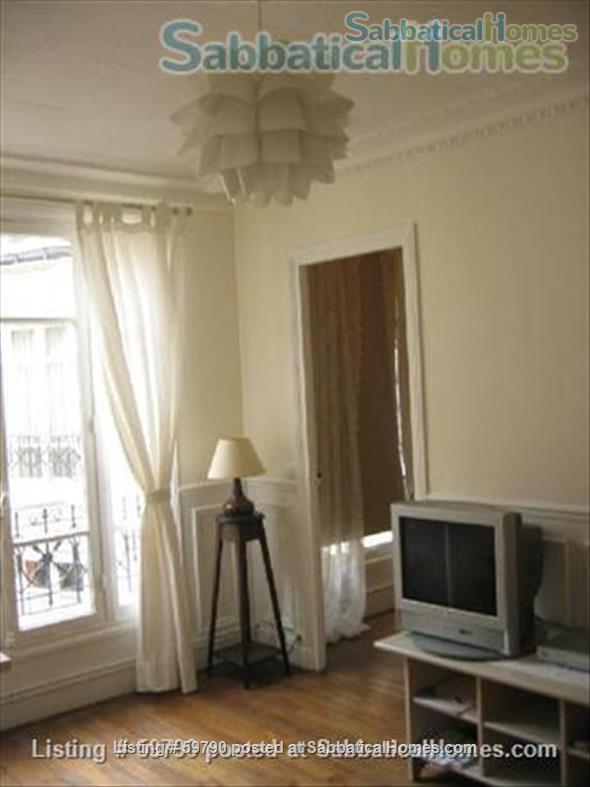 Large and luminous 2 room-flat. Home Rental in Paris, Île-de-France, France 1