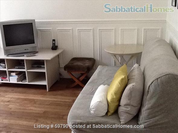 Large and luminous 2 room-flat. Home Rental in Paris, Île-de-France, France 5