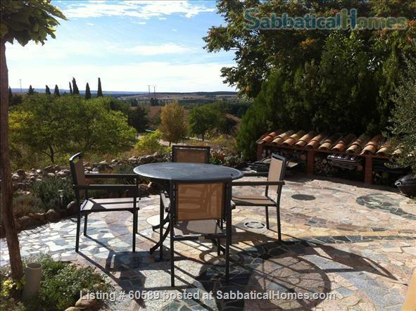 Cosy retreat  in the heart of Spain:  Cottage + studio  for rent in historic Almazán, province of Soria. Home Rental in Almazán, CL, Spain 9