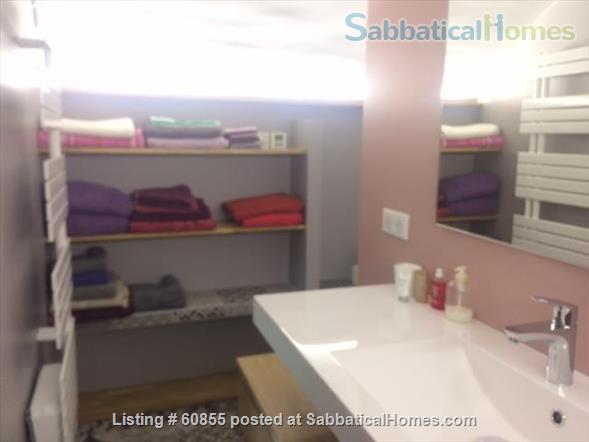 One Bedroom Flat at the garden level near the Vieux Port   Home Rental in Marseille, PACA, France 5